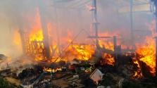 Tűzvész és káosz a Dzsungelben Calais mellett – videóval