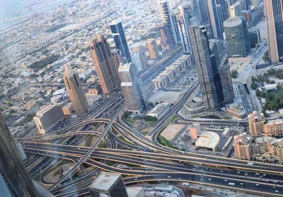 Kilátás a világ legmagasabb épületéből, a Burzs Kalifából