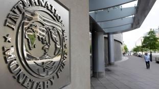 Adósságban úszik a világ: az összes GDP 225%-át teszik ki a hitelek