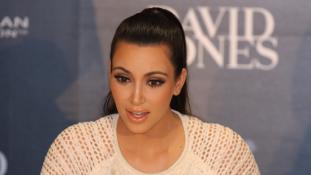 Fegyvert fogtak Kim Kardashianra Párizsban