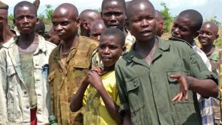 145 a 16 ezerből – gyerekkatonákat engedtek el Dél-Szudánban