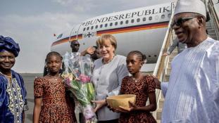 Mali után Niger – a migrációról is tárgyal Afrikában Angela Merkel