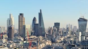 Brexit-adó : megszűnik a céges autók, mobilok, biztosítások adókedvezménye Nagy-Britanniában
