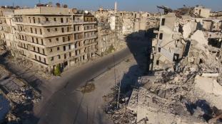 Pánik és menekülés – kiszorítják a kormányerők a felkelőket Kelet-Aleppóból