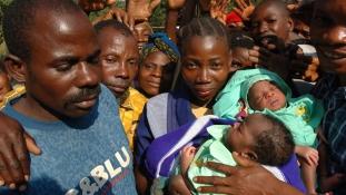 Szoptatás HIV-pozitívan – nem könnyű az anyáknak a Dél-afrikai Köztársaságban