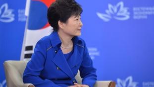 Tömegtüntetés Szöulban az elnökasszony ellen – videó