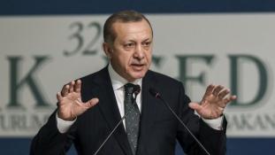 Megindul a migránsáradat? – ezzel fenyegetőzik Törökország elnöke