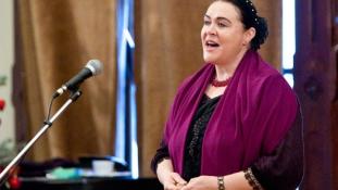 Interjúk a Prima Primissima díj jelöltjeivel – Maczkó Mária népdalénekes