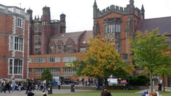 Angliában méregdrága az egyetem, Skandináviában viszont meglepően olcsó