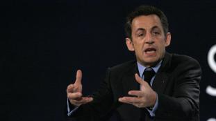 Kadhafi árnya kísérti Sarkozyt, aki újra elnök szeretne lenni Franciaországban