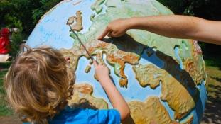 Gyerekkel a világ körül – nem marad ki az iskola