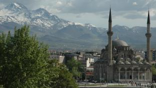 Megint robbantottak Törökországban