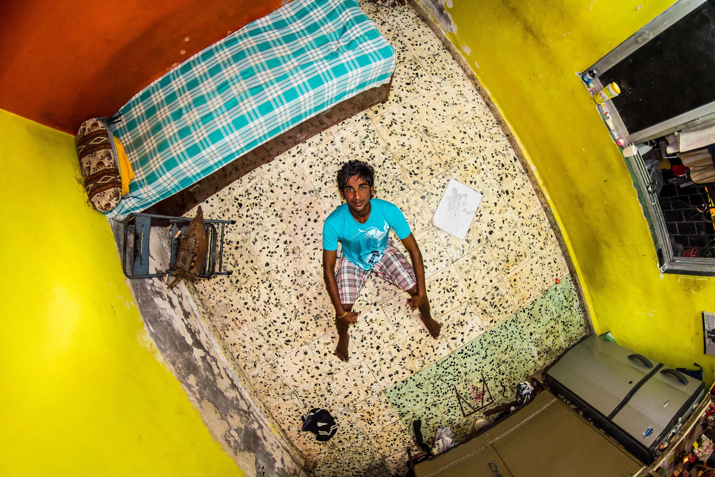 326. szoba, Nikes, 18 éves halász, Mumbai, India