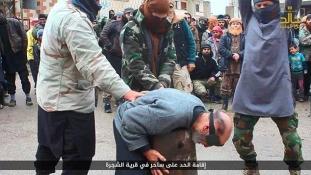 Boszorkánysággal vádolt nyugdíjast nyakazott nyilvánosan az Iszlám Állam