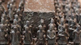 Csokiharcosok – az első kínai császár agyaghadserege a kiállítás fő attrakciója