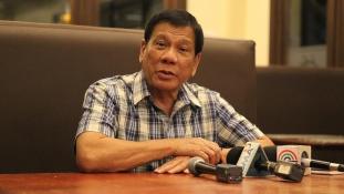 Nem kér az amerikai segítségből Duterte
