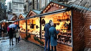 Elitkommandósok védik a karácsonyi vásárlókat