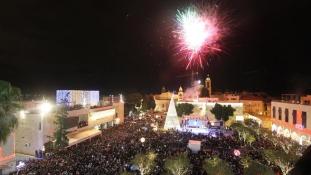 Már Betlehemben is égnek a karácsonyi fények