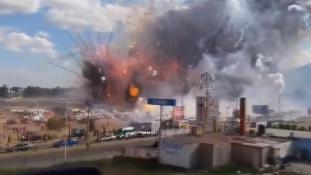 Mexikó legnagyobb tűzijátékvására felrobbant – 31 halott (videó)