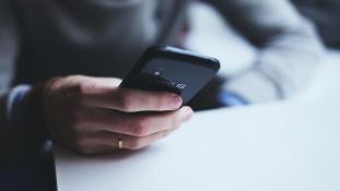 Akiknek rémálom egy hívás – telefóbia
