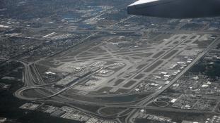 Irakból visszatért veterán gyilkolt a repülőtéren Floridában