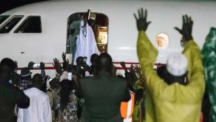 Vége a gambiai válságnak – elhagyta az országot az exelnök