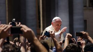 A pápa kritizálta azokat a nőket, akik külsejük miatt mennek abortuszra
