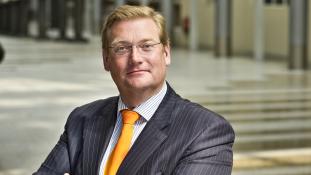 Lemondott a holland igazságügyi miniszter, mert fontos tényeket hallgatott el