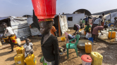 A dél-szudáni nők szeszfőzésből tartják fenn családjaikat a menekülttáborokban