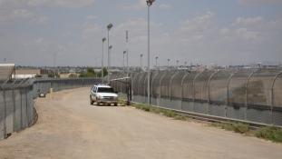 Trump: megépítjük a falat a mexikói határon!