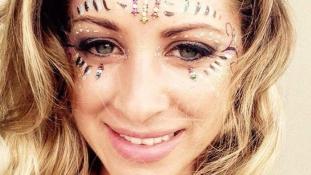Utazni indult a brit lány, de végül egy sztriptízbárban, holtan találtak rá