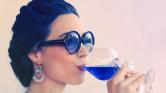 A bor vörös vagy fehér, de nem kék!
