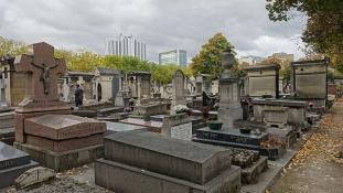 13.000 eurót rejtettek el a dzsihádisták egy párizsi sírban