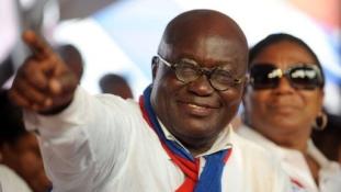 Beiktatták Ghána új elnökét