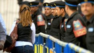 Rendőröket ítéltek börtönre szexuális erőszakért Egyiptomban