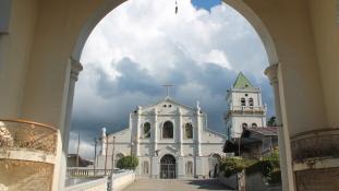 Emberség az embertelenségben: templomok fogadják be a drogháború célpontjait a Fülöp-szigeteken