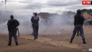 Durva összecsapások és bevándorlóellenes tüntetések Dél-Afrikában