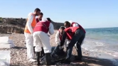 74 holttestet sodort partra a víz Líbia partjainál