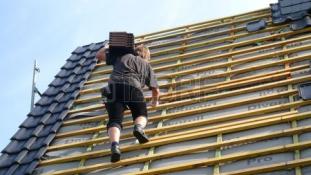 10 milliós felújítási támogatásra pályázhatnak a társasházak és a lakószövetkezetek