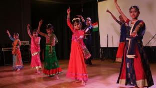 Színpompás indiai fesztivál Budán