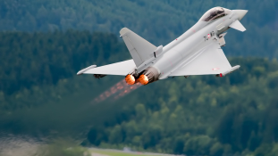 Ausztria több mint egymilliárd euróra perli a vadászgépeket gyártó Eurofightert