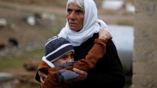 Az Iszlám Állam eladta, idegenek megvették – most hazatért egy kisfiú