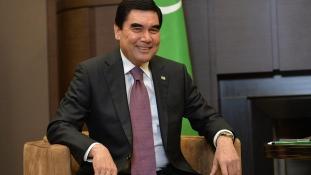 Így ösztönzi szavazásra népét a türkmén diktátor