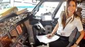 Képeivel akar kedvet csinálni a nőknek szakmájához a török pilótanő