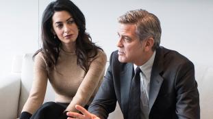 Clooney mamája kikotyogta az ikrek nemét