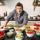 Jamie Oliver smucig: nem fizette ki a takarítónőjét!
