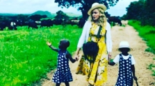 Megőrül az internet Madonna ikreiért