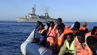 Olaszország 200 millió eurós alappal állítaná meg a menekülteket