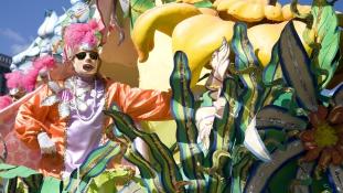 Katasztrófa a karneválon: részeg autós hajtott a tömegbe – 28 sérült