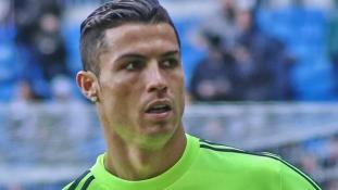 Cristiano Ronaldo a világ legjobban kereső sportolója